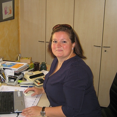Unsere Assistentin Frau Neidenberger freut sich auf Ihren Anruf